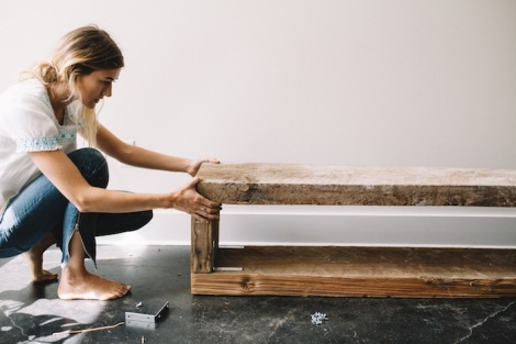 UO DIY BOOK BENCH-119