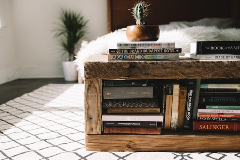 UO DIY BOOK BENCH-126